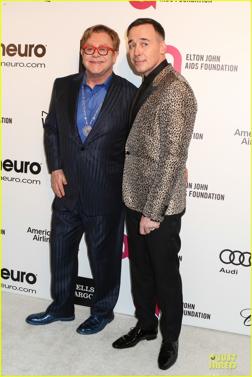 elton john david furnish fierce hosts at annual aids oscars party 2014 033064339