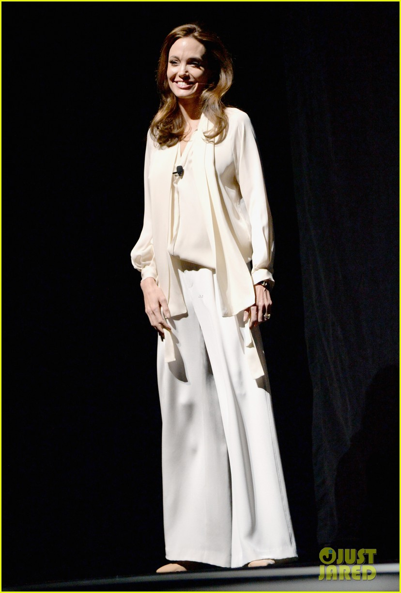 angelina jolie vision in white at cinema con 06