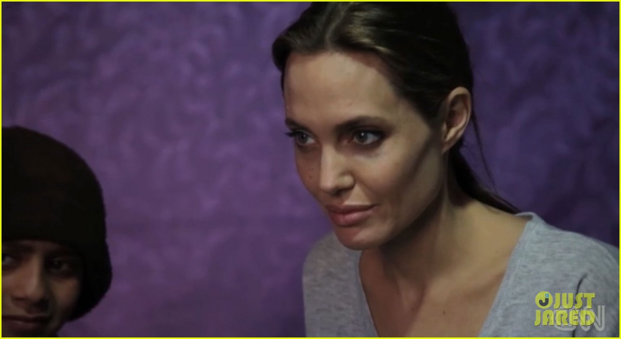 angelina jolie puts spotlight on syrian refugees in cnn report 033079897