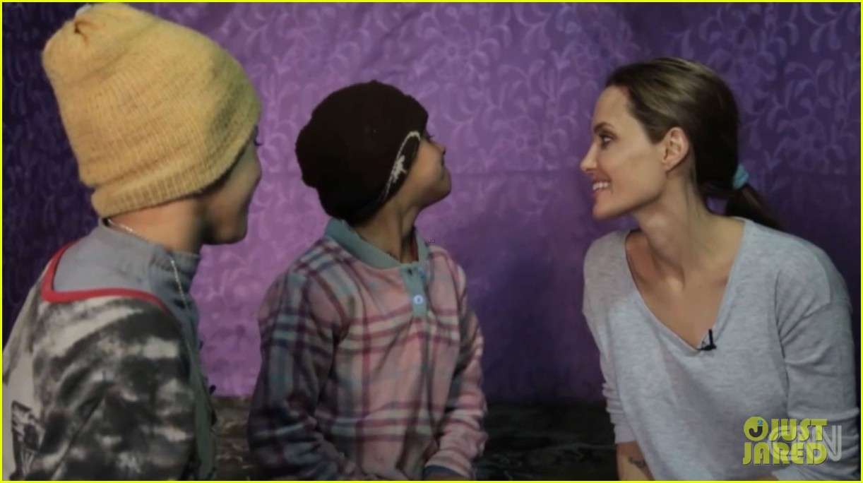 angelina jolie puts spotlight on syrian refugees in cnn report 053079899