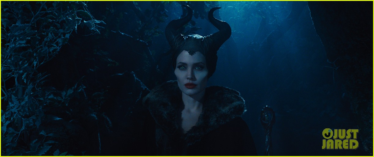 angelina jolie new maleficent trailer stills 103073358