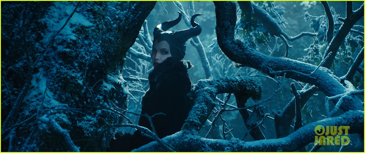 angelina jolie new maleficent trailer stills 11