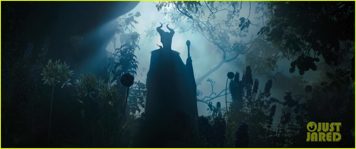 angelina jolie new maleficent trailer stills 203073368