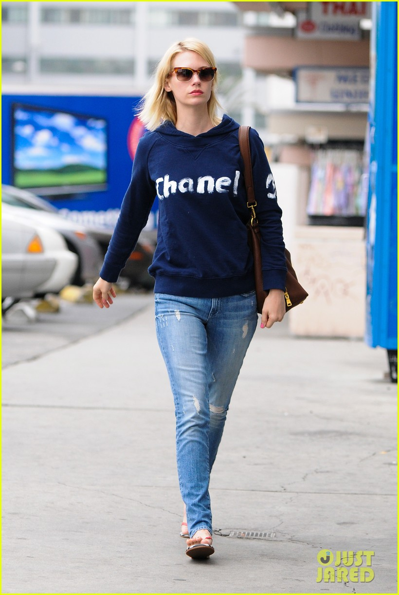 january jones jon hamm weighs in on betty dons relationship 053078890