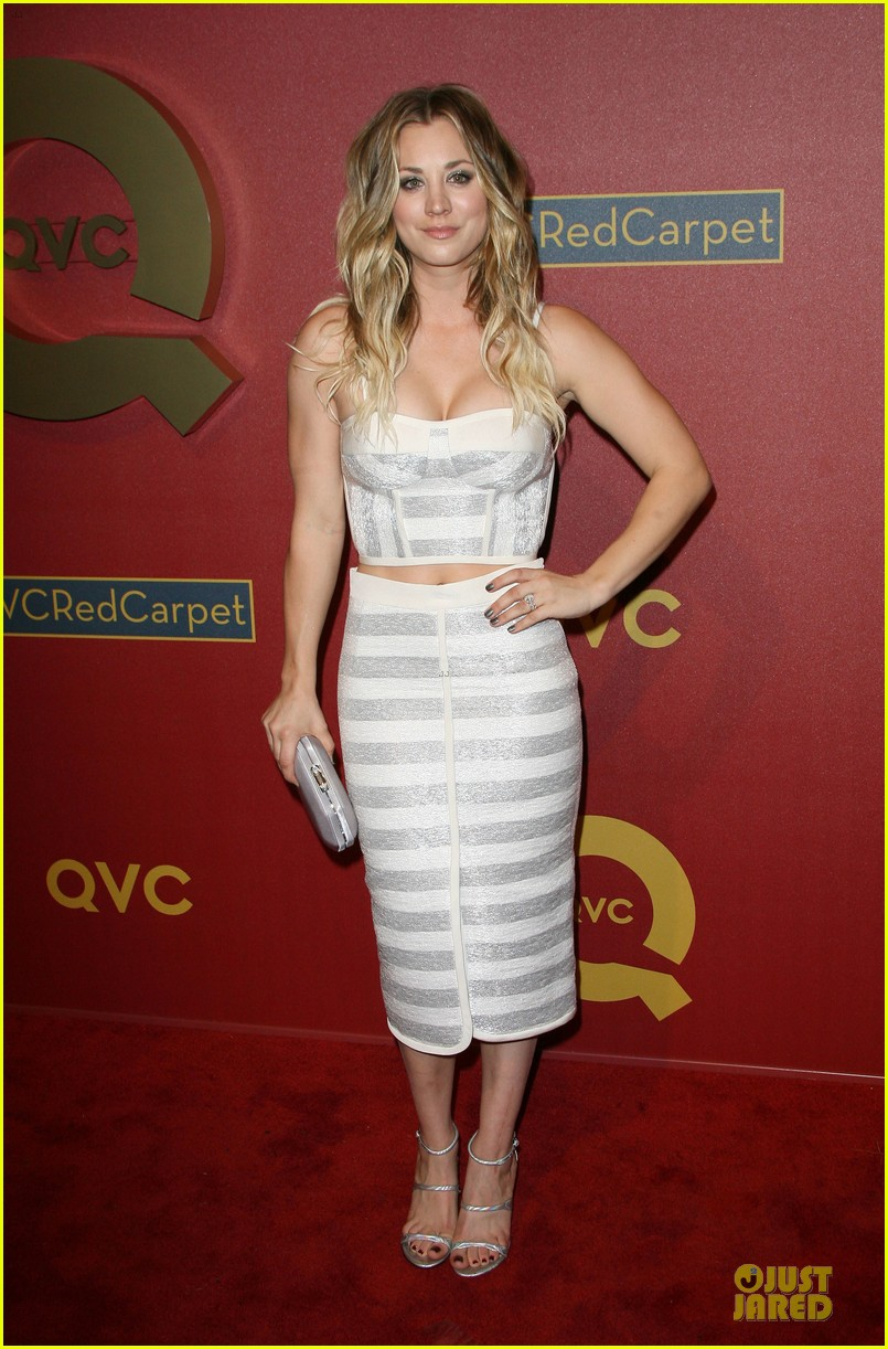 kaley cuoco shows some skin at qvc red carpet event 013062787