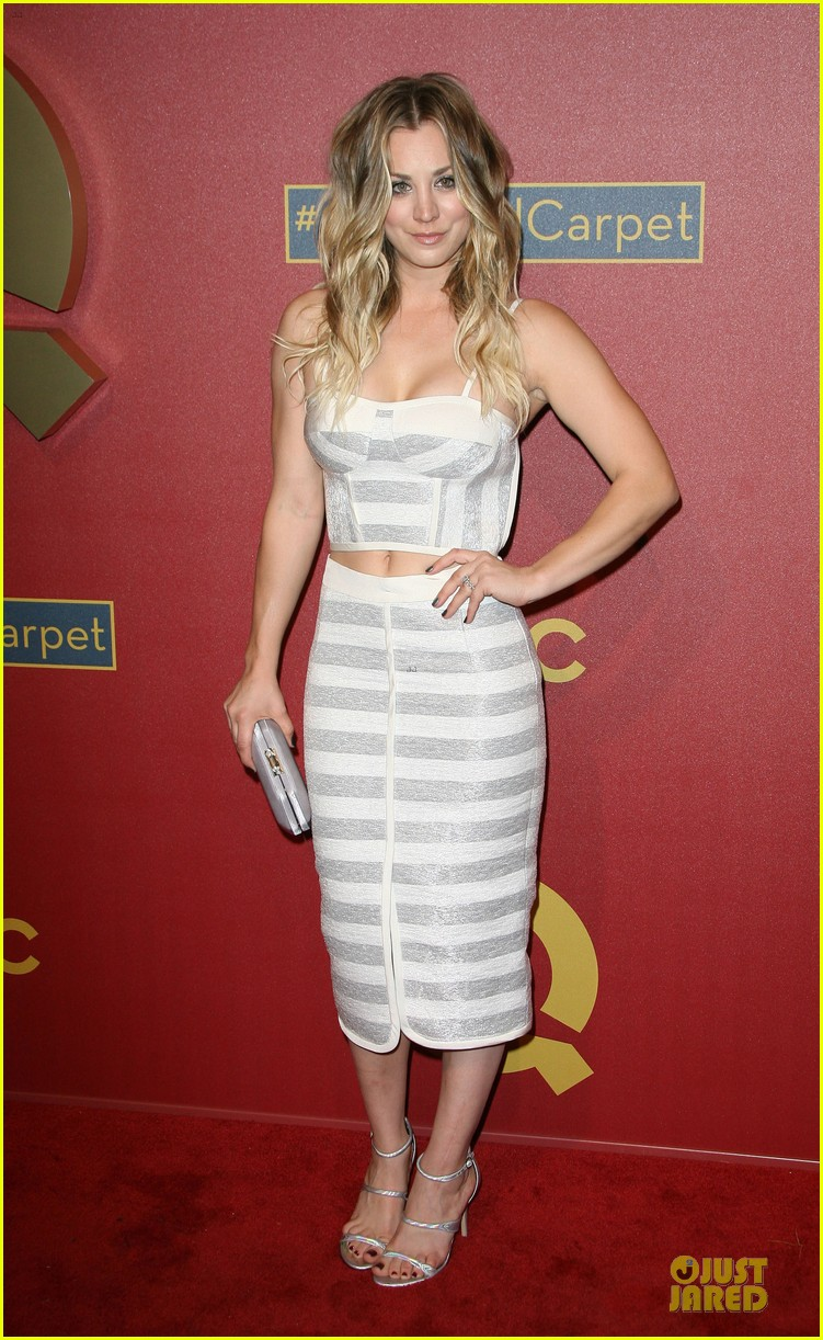 kaley cuoco shows some skin at qvc red carpet event 033062789