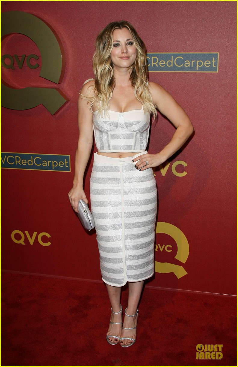 kaley cuoco shows some skin at qvc red carpet event 083062794