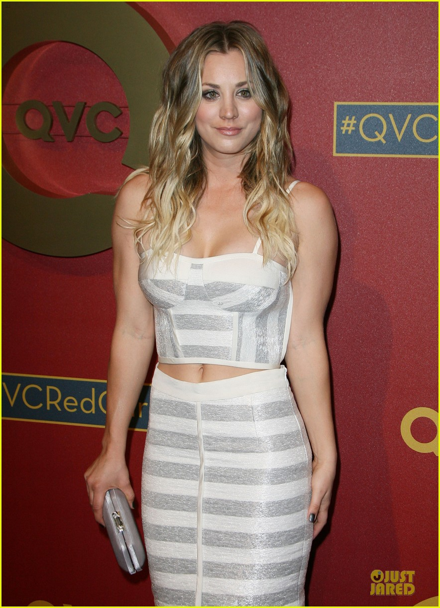 kaley cuoco shows some skin at qvc red carpet event 093062795