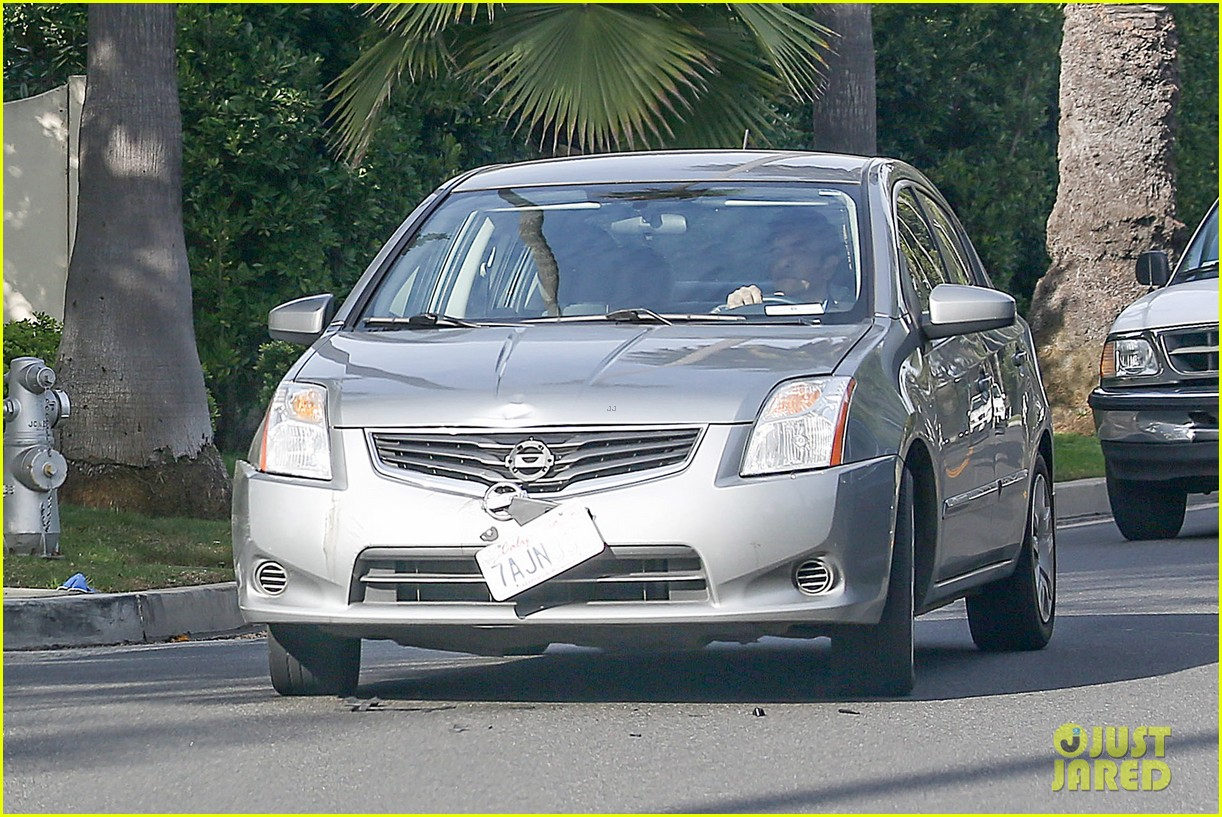 kim kardashian involved in minor car accident in beverly hills 103069987