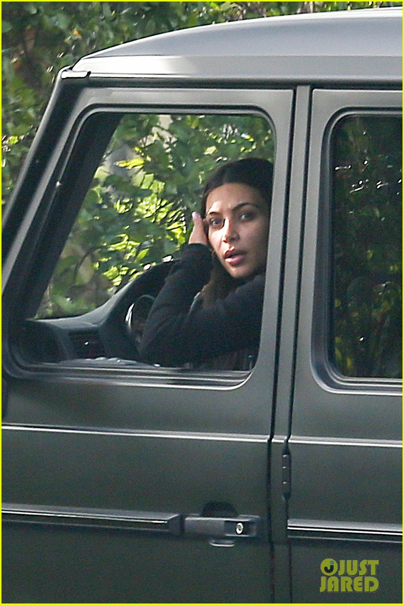 kim kardashian involved in minor car accident in beverly hills 12