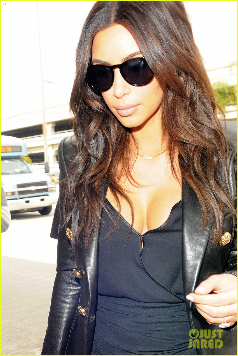 kim kardashian involved in minor car accident in beverly hills 203069997