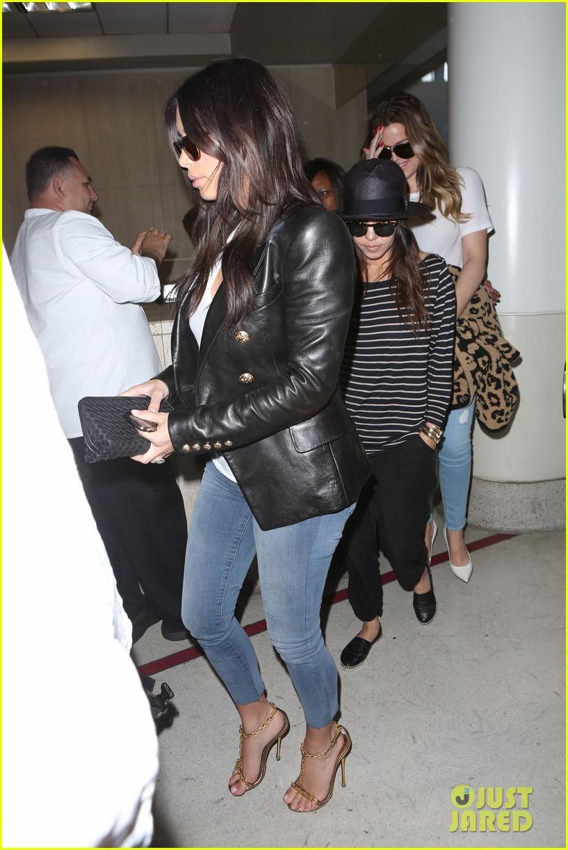 kim kourtney khloe kardashian back in los angeles after miami trip 043071367