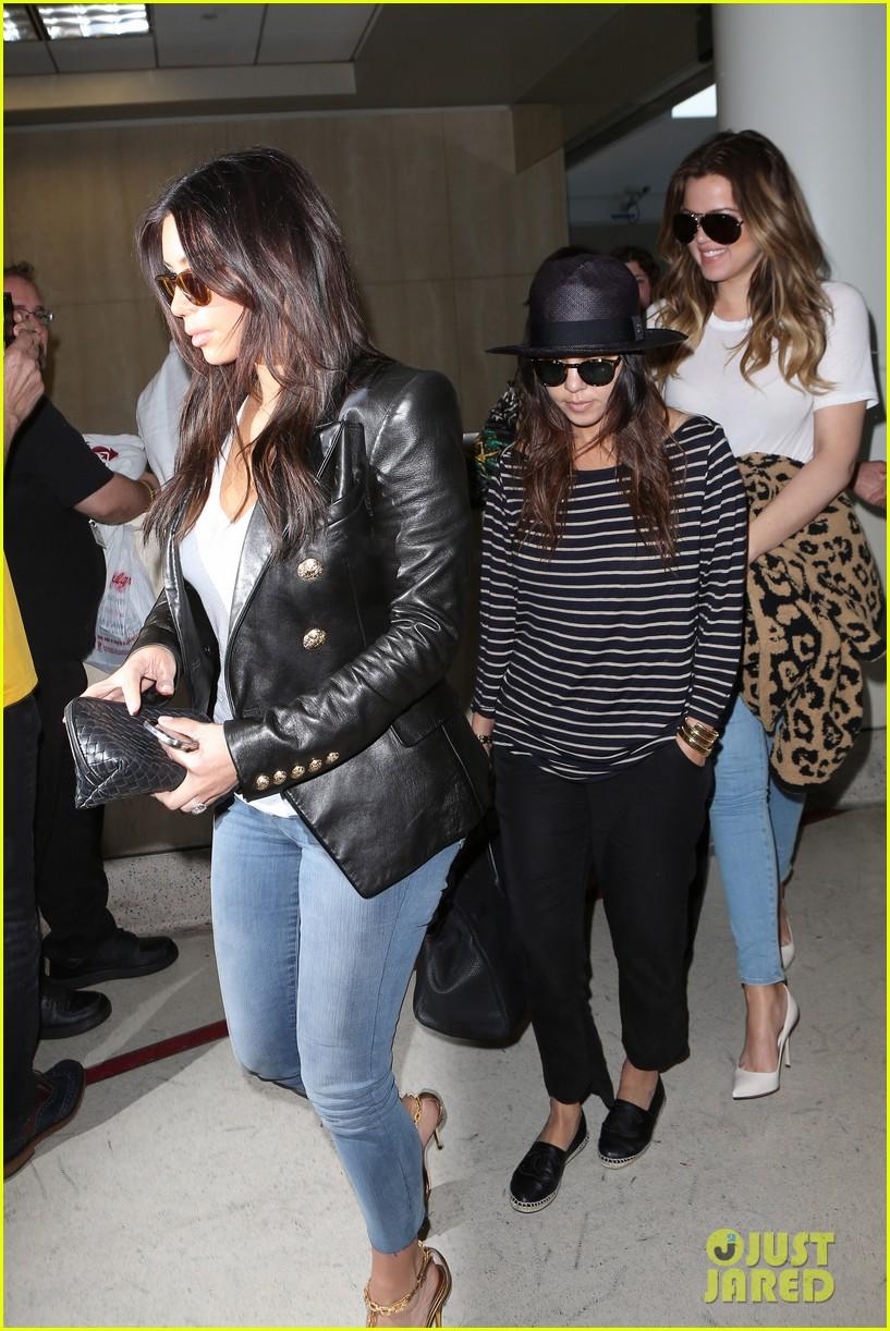 kim kourtney khloe kardashian back in los angeles after miami trip 10
