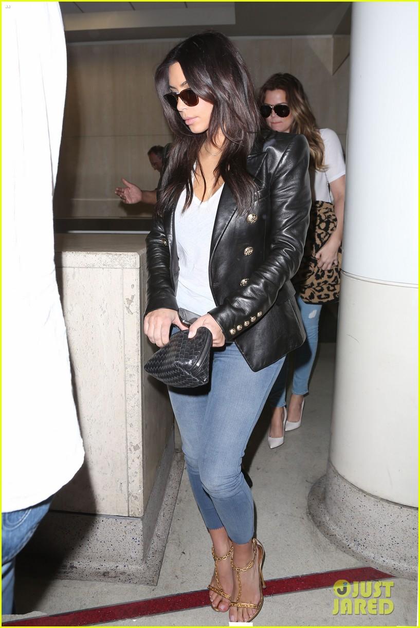 kim kourtney khloe kardashian back in los angeles after miami trip 14