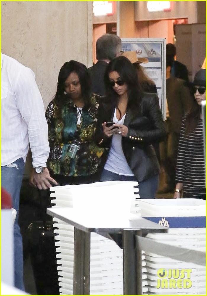 kim kourtney khloe kardashian back in los angeles after miami trip 183071381