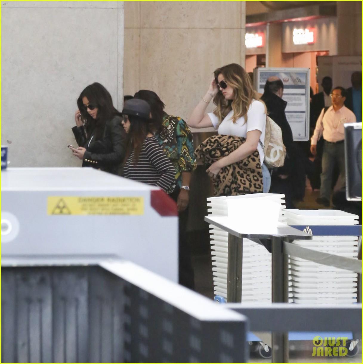 kim kourtney khloe kardashian back in los angeles after miami trip 213071384