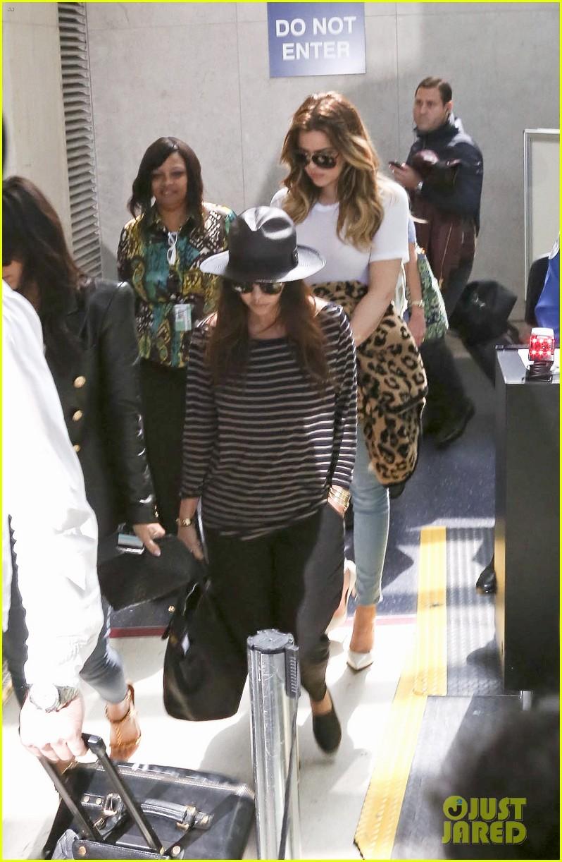 kim kourtney khloe kardashian back in los angeles after miami trip 223071385