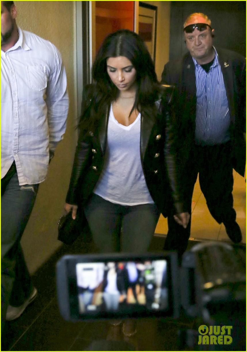 kim kourtney khloe kardashian back in los angeles after miami trip 253071388
