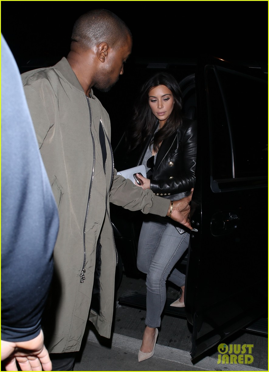 kim kardashian kanye west are a stylish duo jetting off to new york 013078262