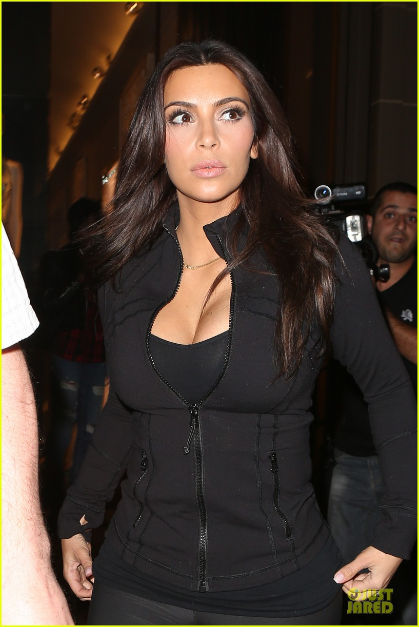 kim kardashian cleavage for soulcycle workout 023069623