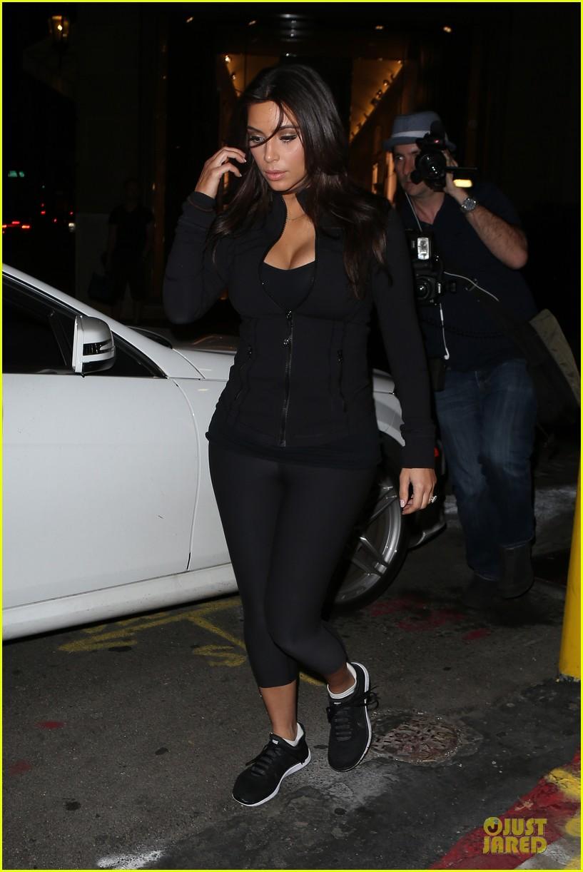 kim kardashian cleavage for soulcycle workout 083069629