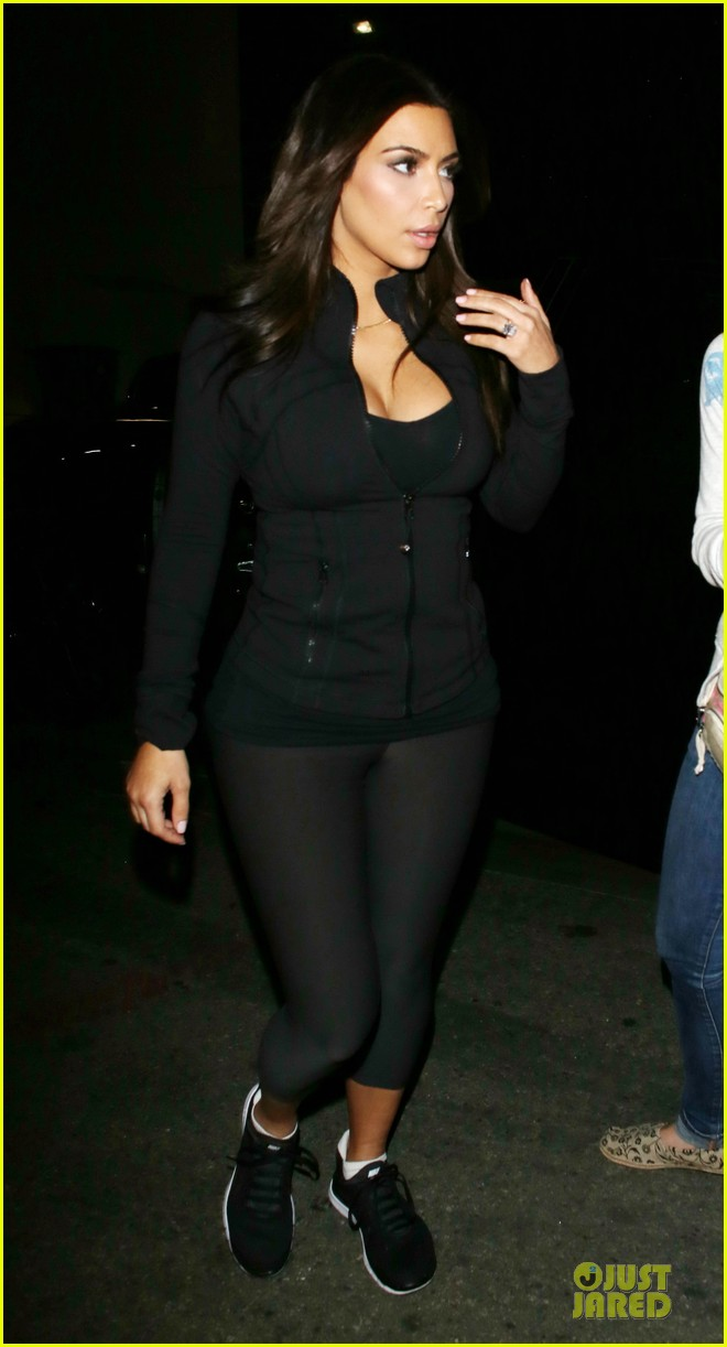 kim kardashian cleavage for soulcycle workout 133069634