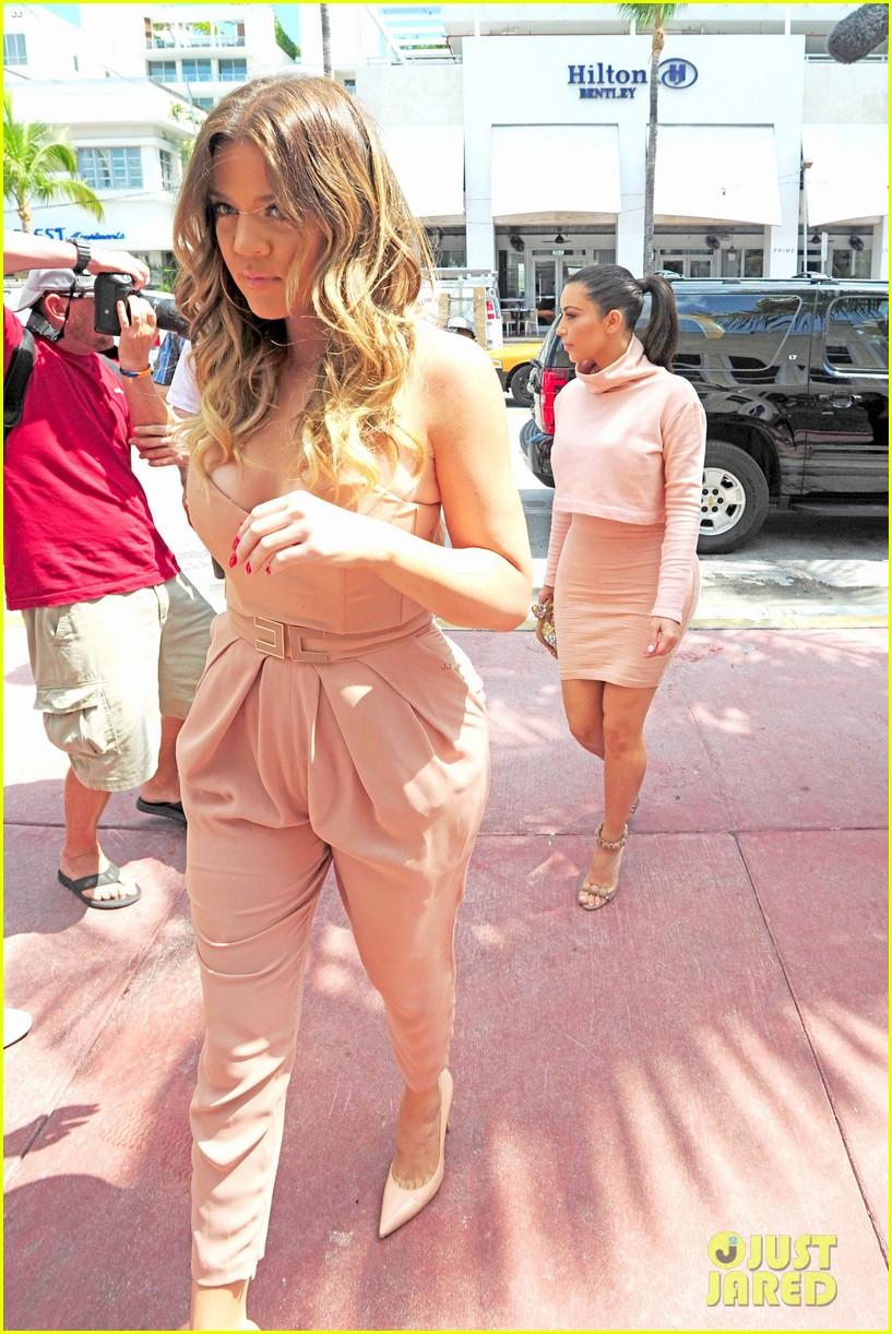 kim kardashian steals kylie jenners bikini 173070674