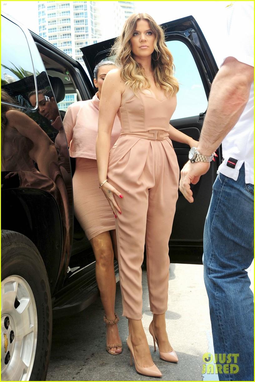 kim kardashian steals kylie jenners bikini 183070675