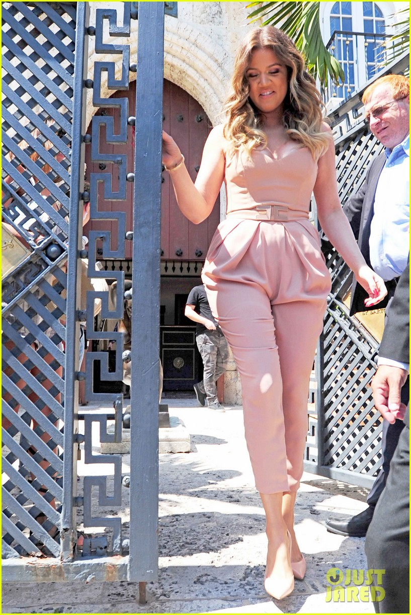 kim kardashian steals kylie jenners bikini 243070681