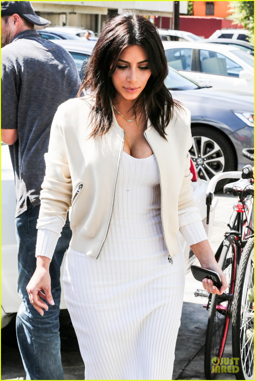 kim kardashian gets ready for summer with white dress 113072587