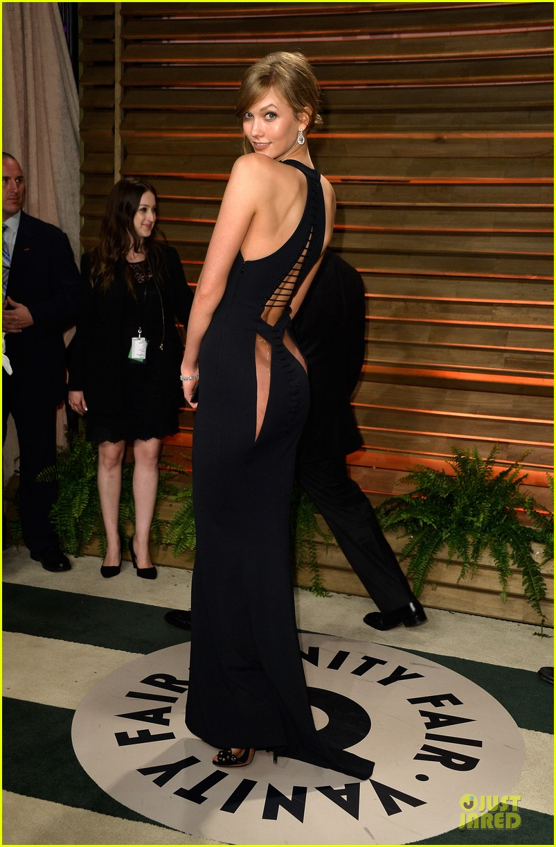 karlie kloss irina shayk vanity fair oscars party 2014 053065473