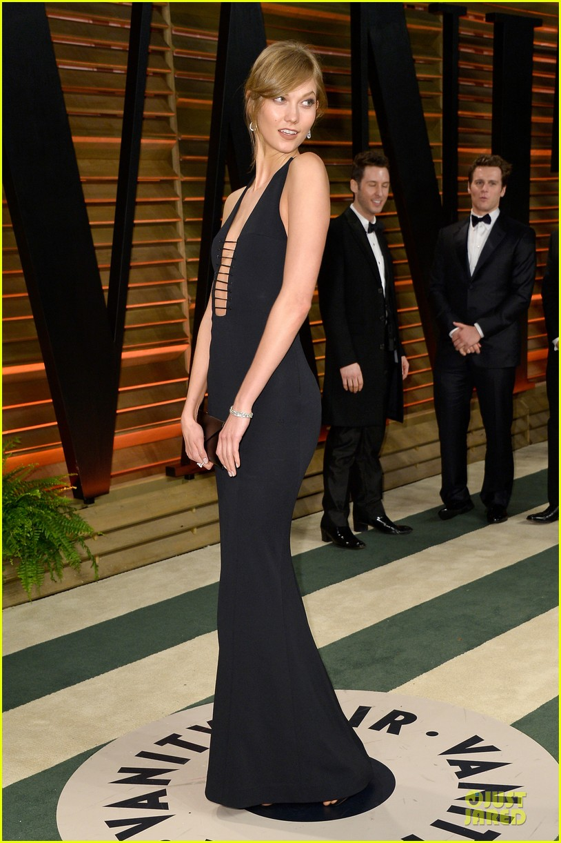 karlie kloss irina shayk vanity fair oscars party 2014 073065475
