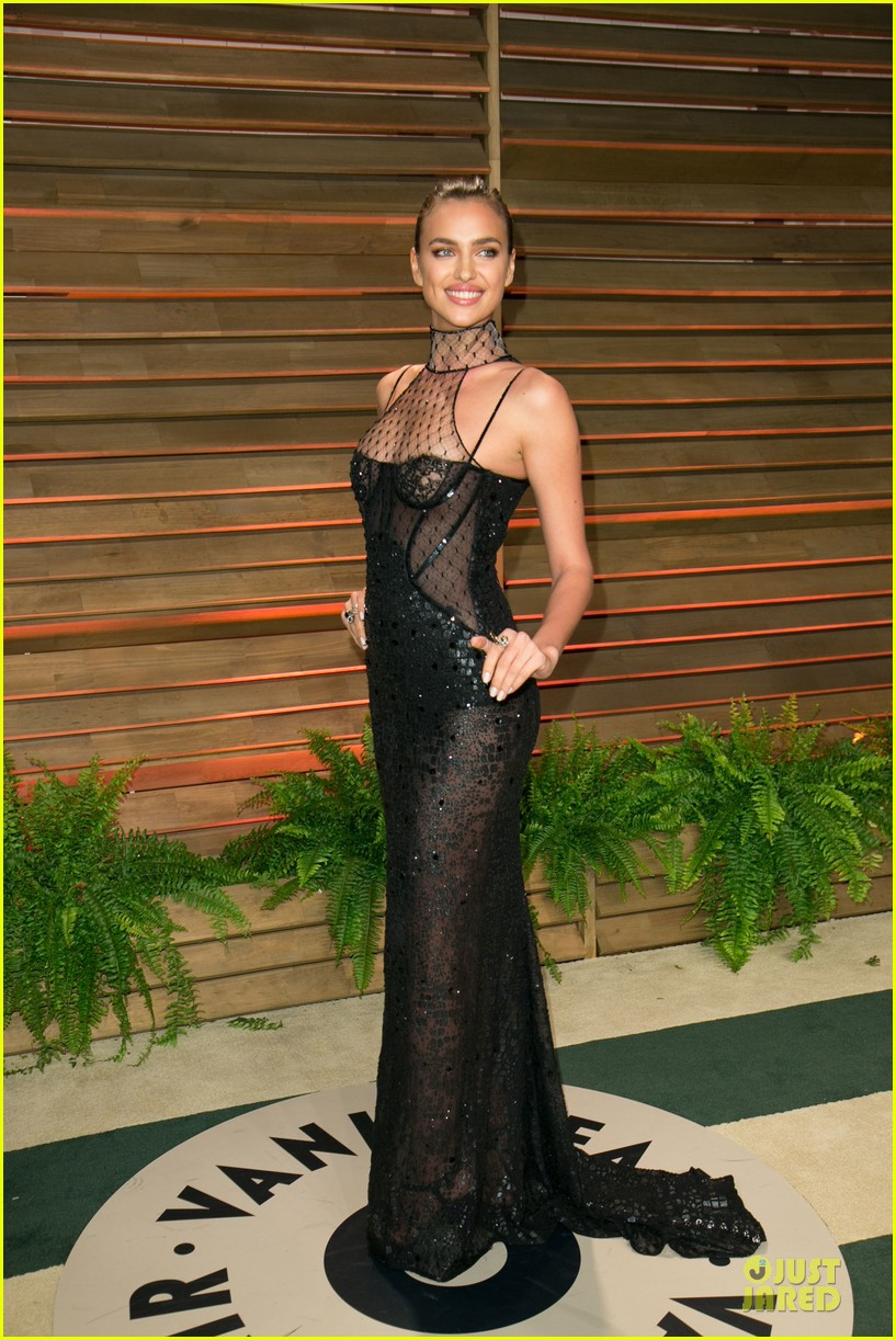 karlie kloss irina shayk vanity fair oscars party 2014 213065489