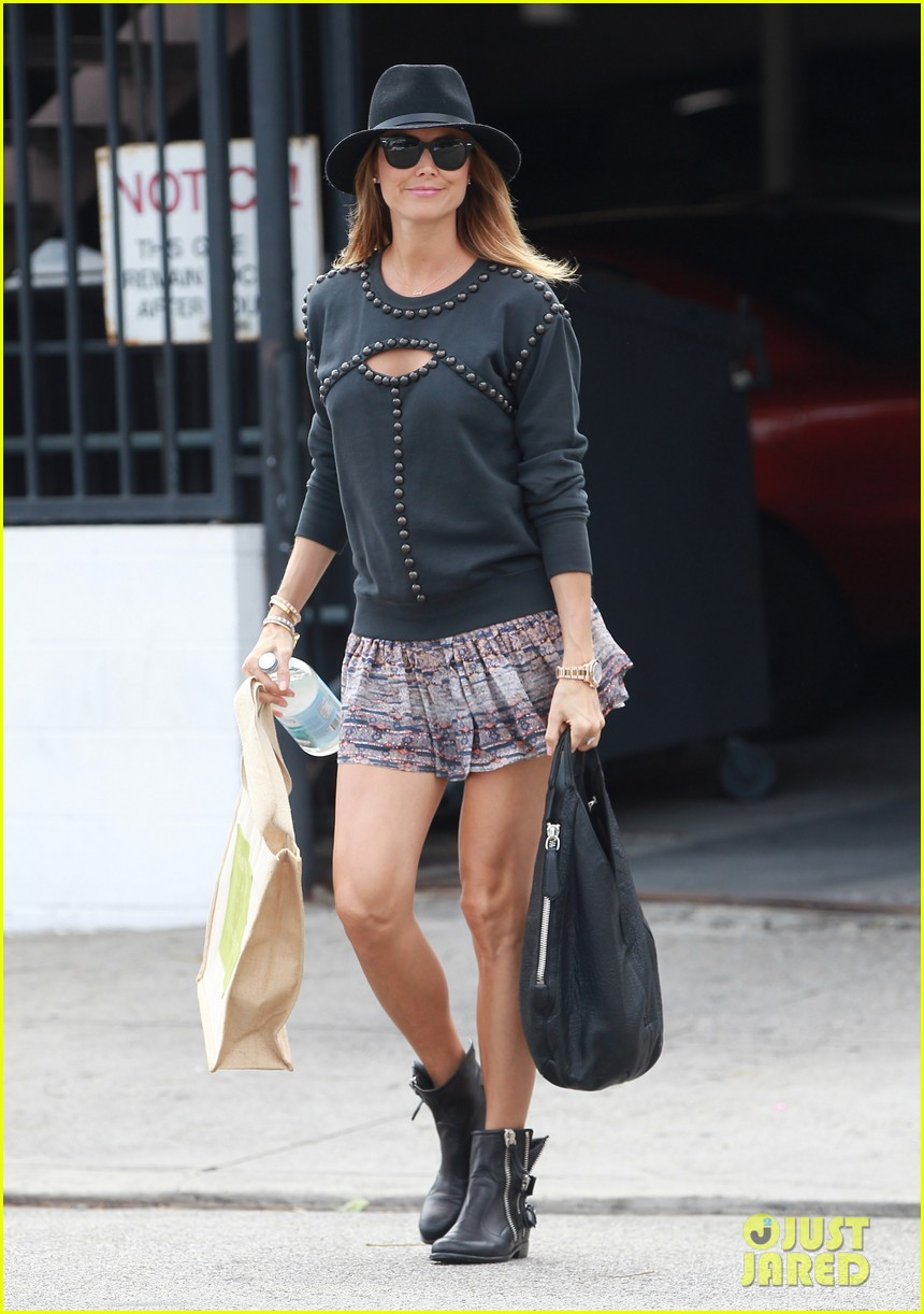 stacy keibler is all smiles in first post pregnancy announcement outing 013078903