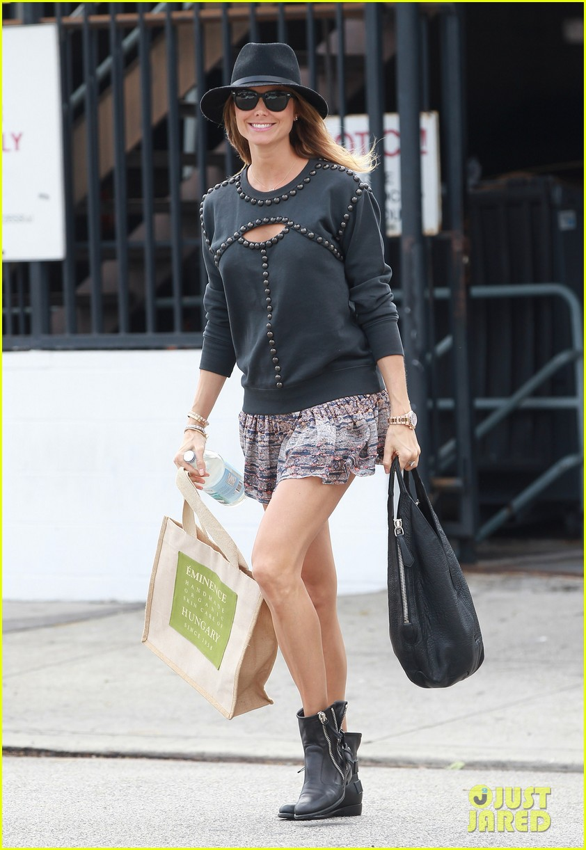 stacy keibler is all smiles in first post pregnancy announcement outing 093078911