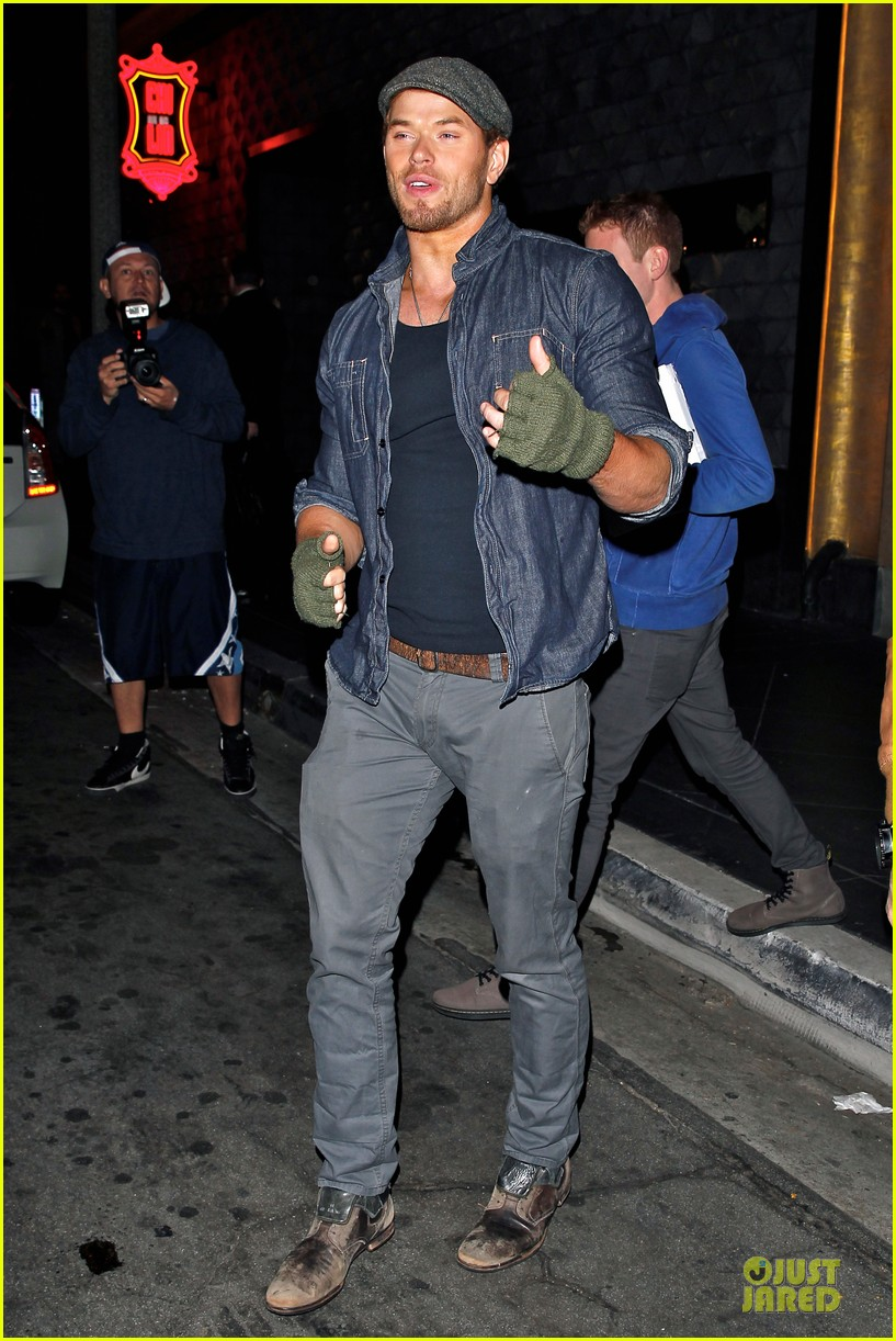 kellan lutz celebrate birthday with ashley greene 083081102