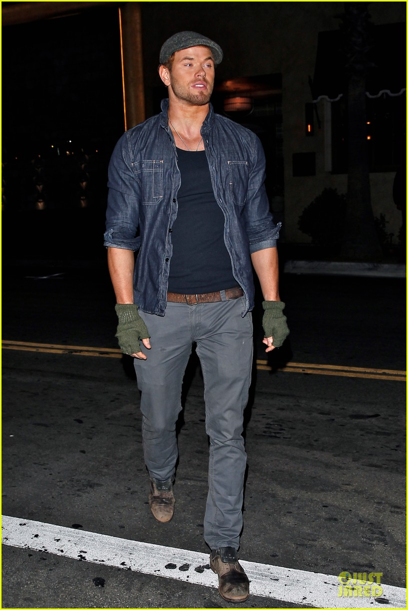 kellan lutz celebrate birthday with ashley greene 10