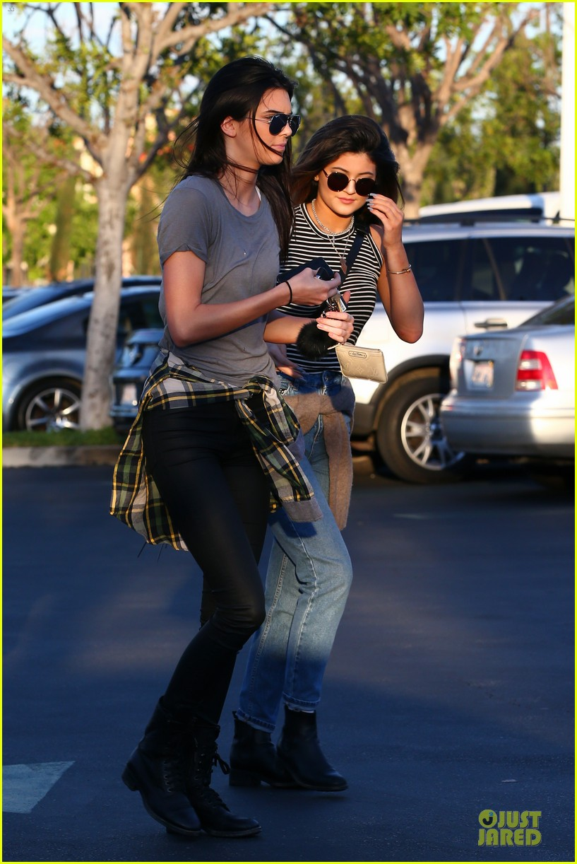 kendall kylie jenner meet up with super excited jaden smith 013072193