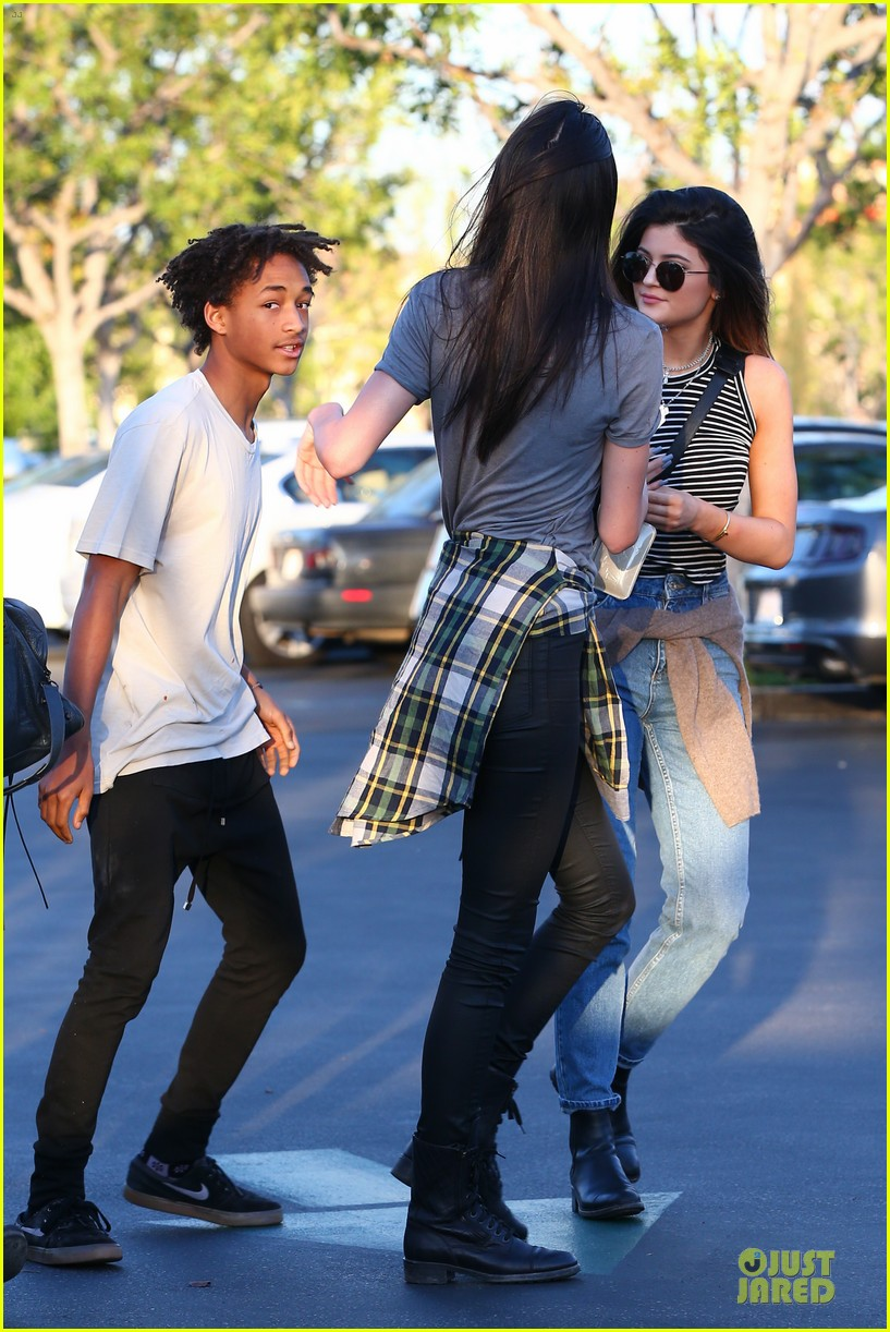kendall kylie jenner meet up with super excited jaden smith 13