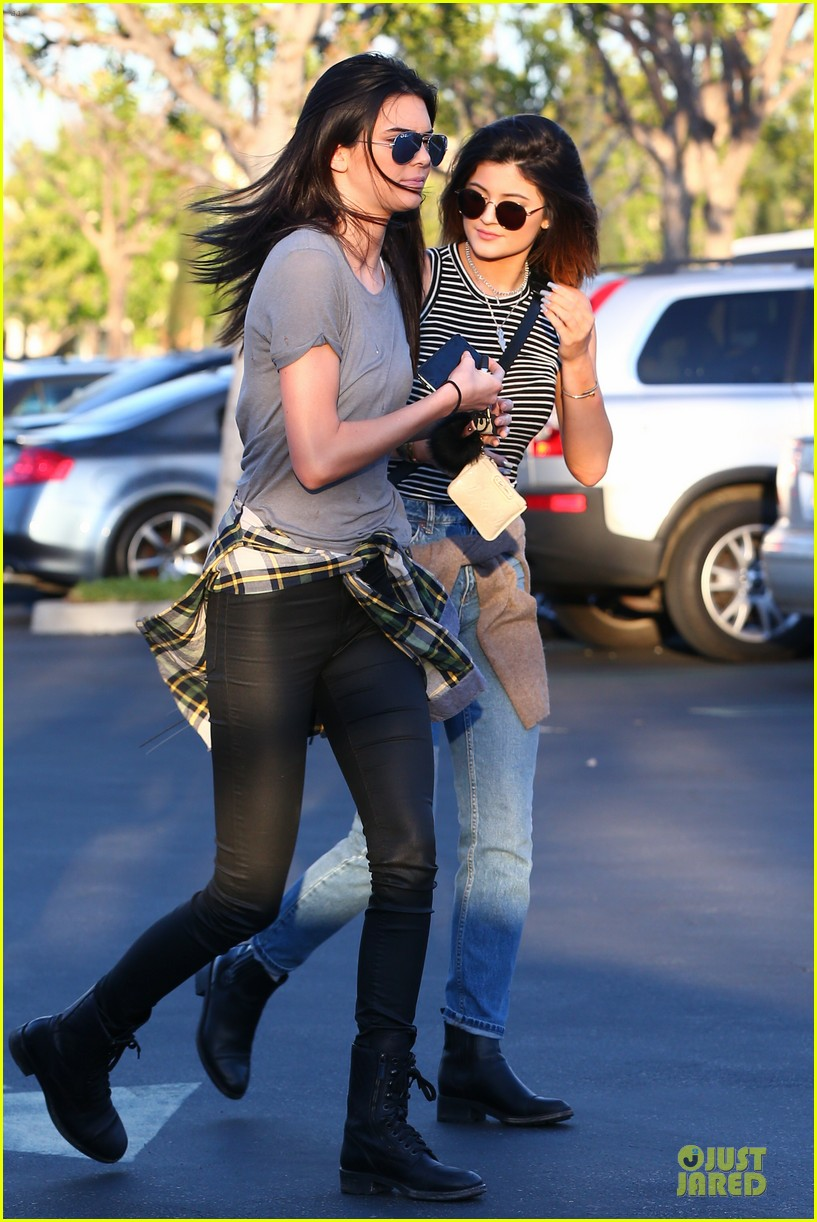 kendall kylie jenner meet up with super excited jaden smith 223072214