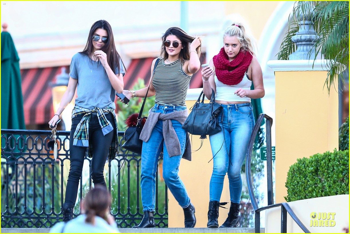 kendall kylie jenner meet up with super excited jaden smith 233072215