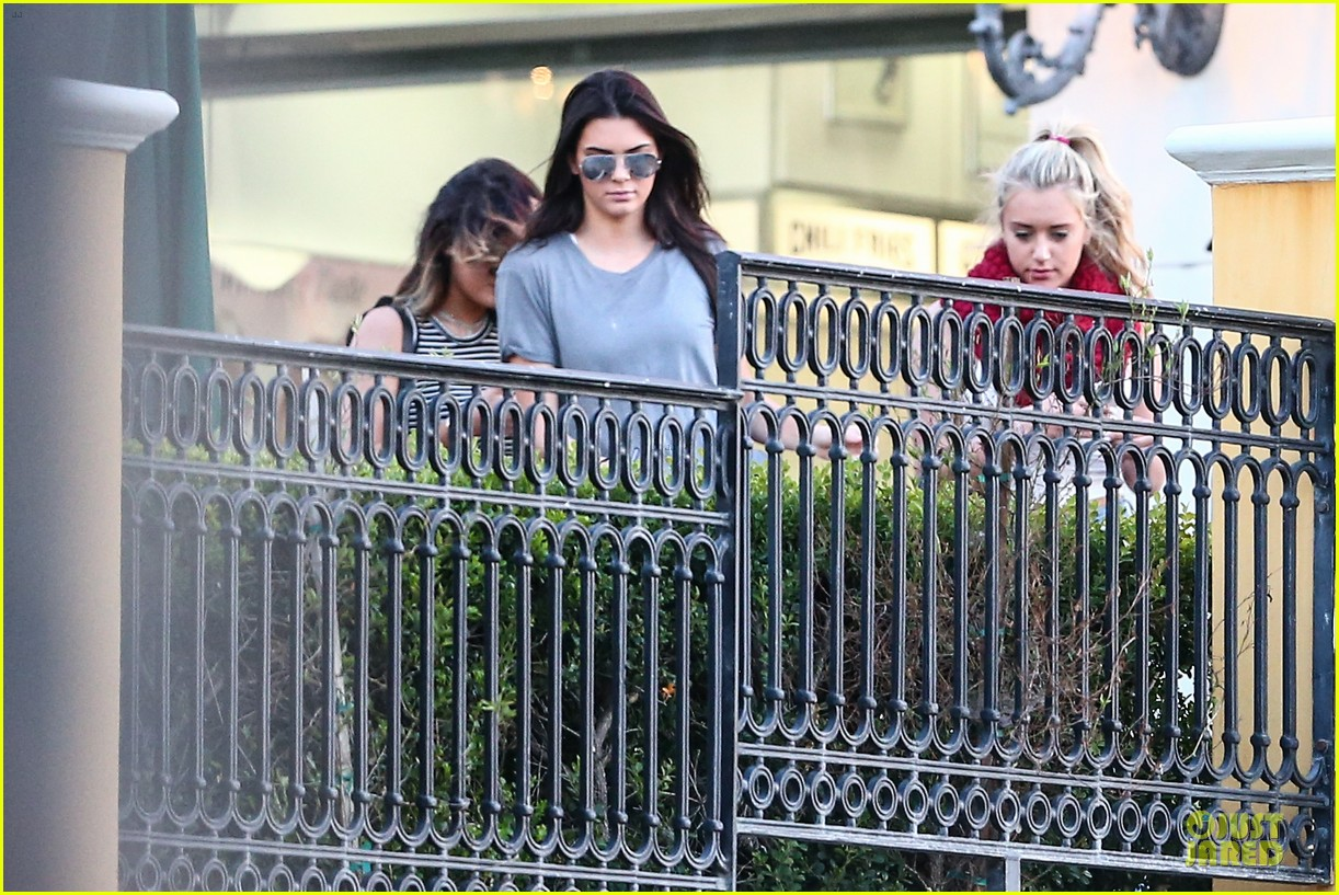 kendall kylie jenner meet up with super excited jaden smith 253072217