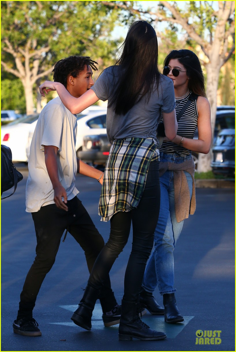 kendall kylie jenner meet up with super excited jaden smith 303072222