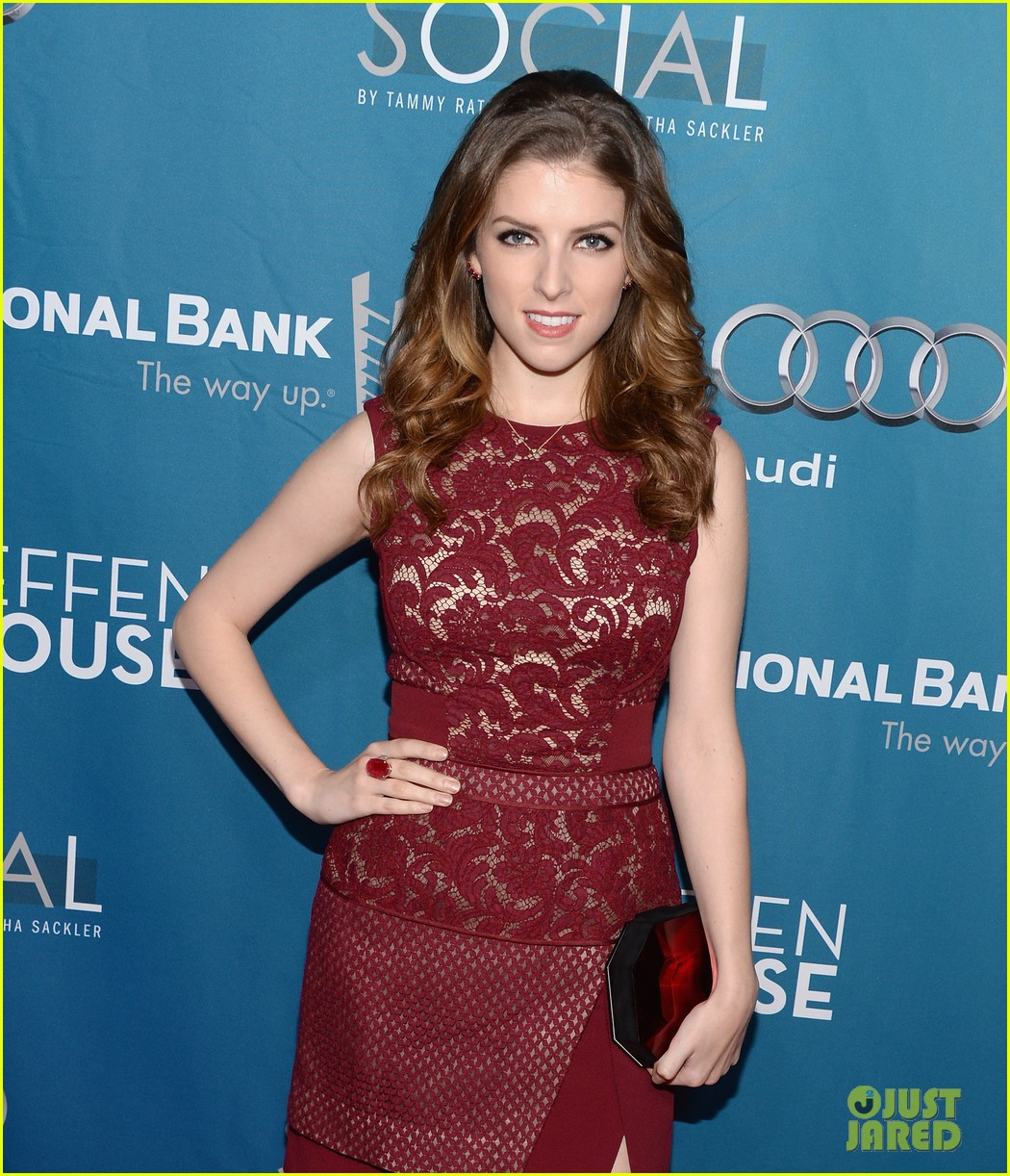 anna kendrick 2 broke girls geffen playhouse gala 073076945