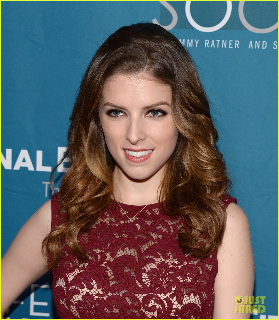 anna kendrick 2 broke girls geffen playhouse gala 09