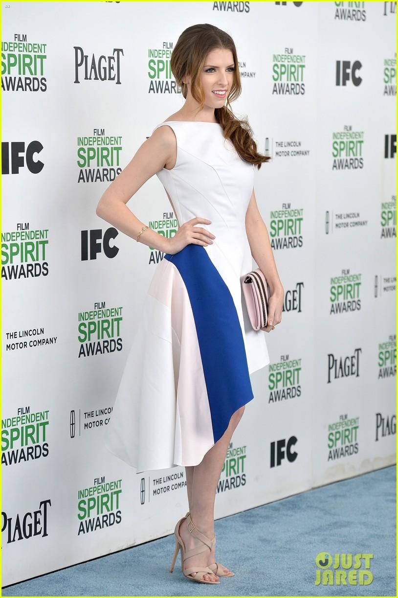 anna kendrick aubrey plaza bffs at the spirit awards 2014 013062920