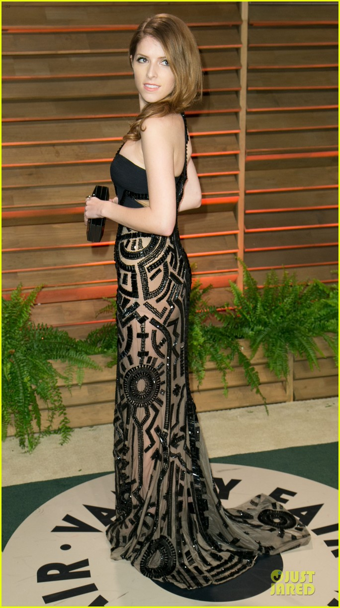 anna kendrick transforms into sexy intricate babe at vanity fair oscar party 2014 053064468