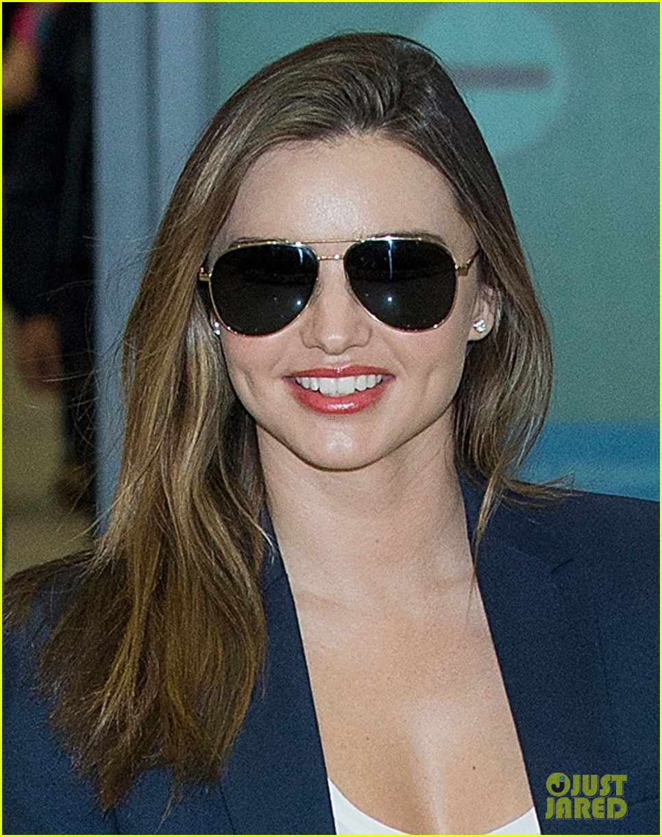 miranda kerr flies to japan after sexy gq cover makes headlines 023082369