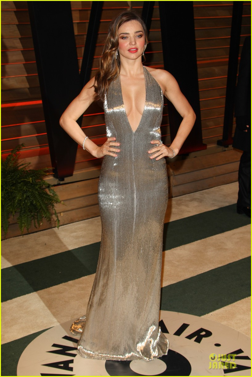 miranda kerr makes sexy entrance with plunging neckline at vanity fair oscars party 2014 083064429