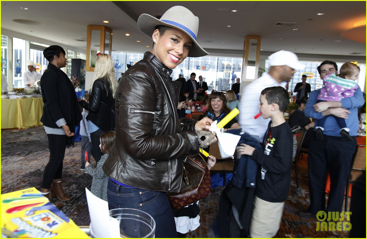 alicia keys son egypt matching jackets 023082166